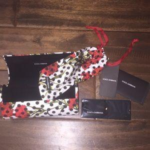 Dolce & Gabbana glasses holder